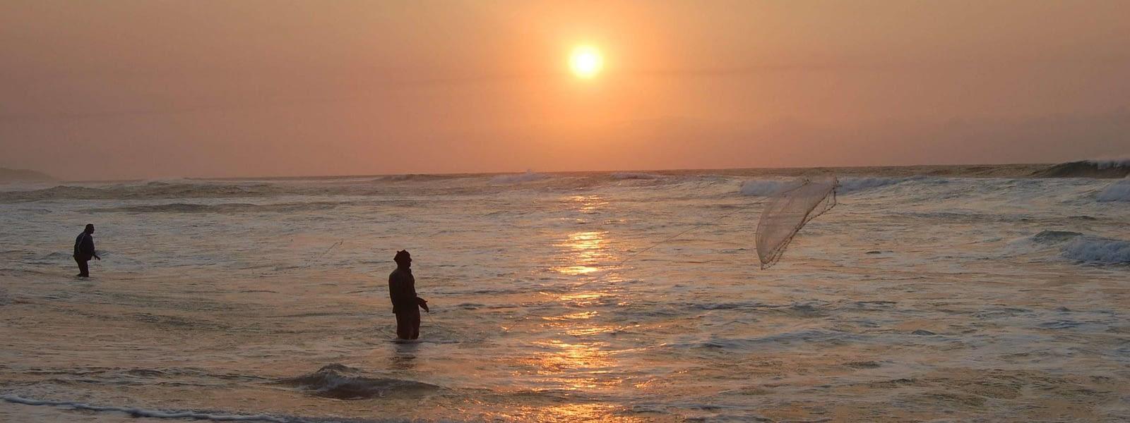 cast net fishing zinkwazi beach south africa